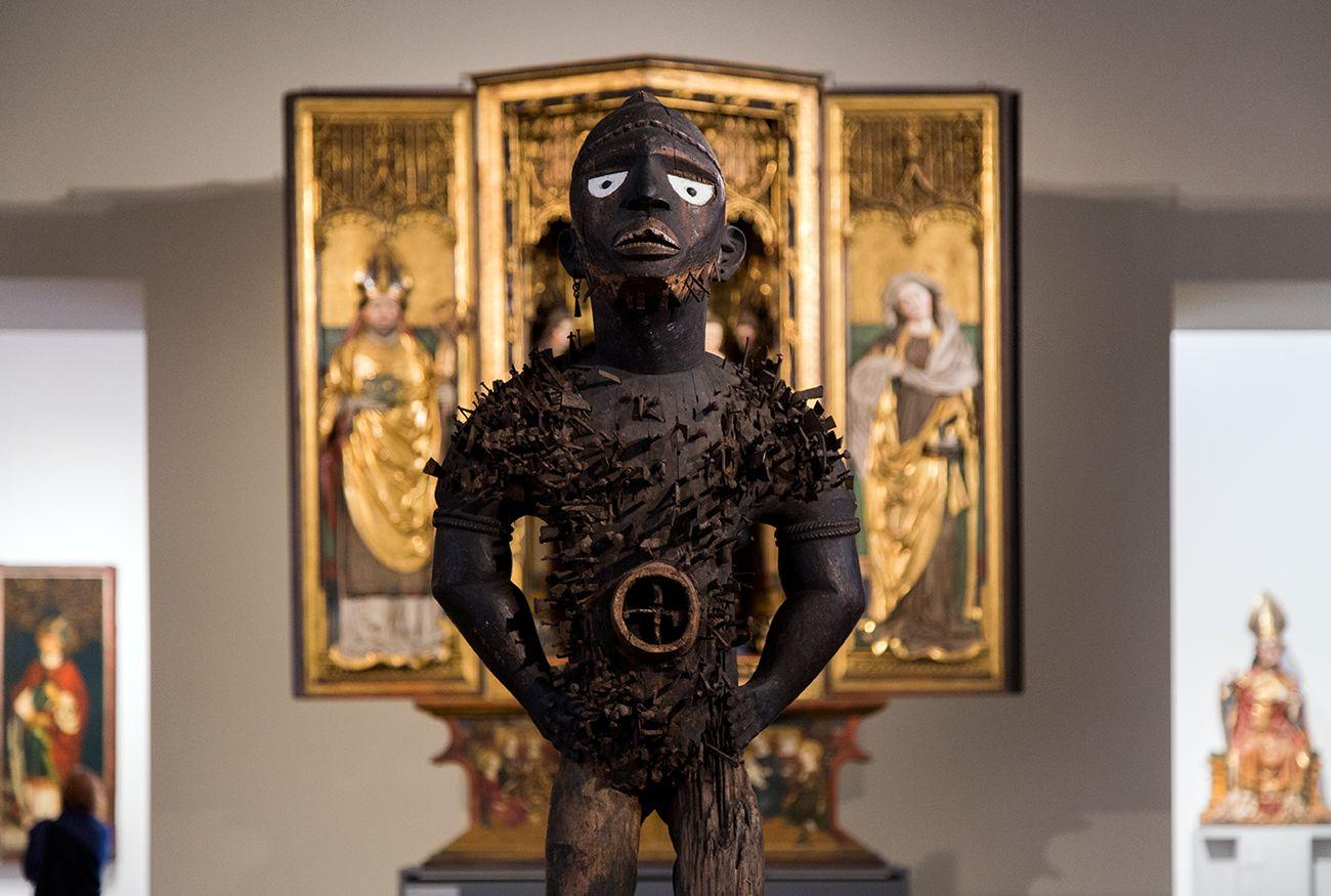 Unvergleichlich: Kunst aus Afrika im Bode-Museum. Mangaaka (Kraftfigur, nkisi n'kondi), Yombe (Republik Kongo, Demokratische Republik Kongo oder Angola), 19. Jh.