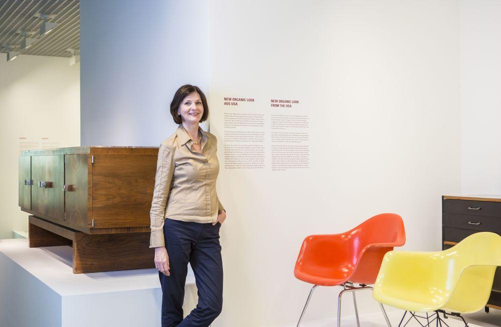 Sabine Thümmler, Direktorin des Kunstgewerbemuseums, in der Sammlung.  © Staatliche Museen zu Berlin / David von Becker