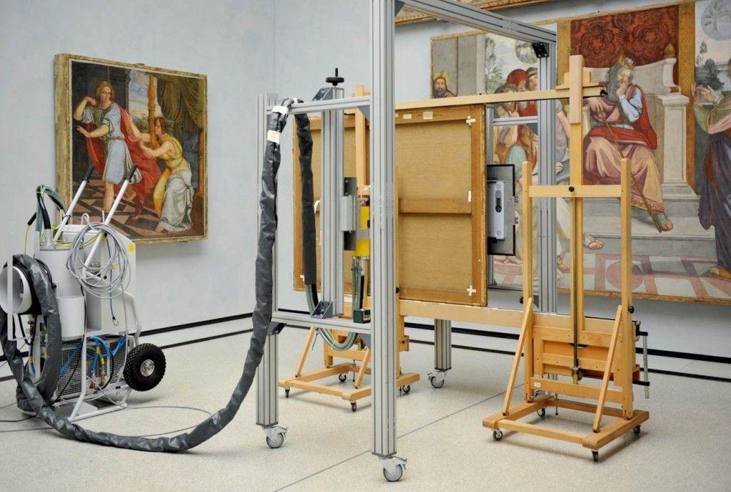 Die Röntgen-Anlage  der BAM im Casa-Bartholdy-Saal  der Alten Nationalgalerie. © Staatliche Museen zu Berlin / Nationalgalerie / Fotograf: Andres Kilger