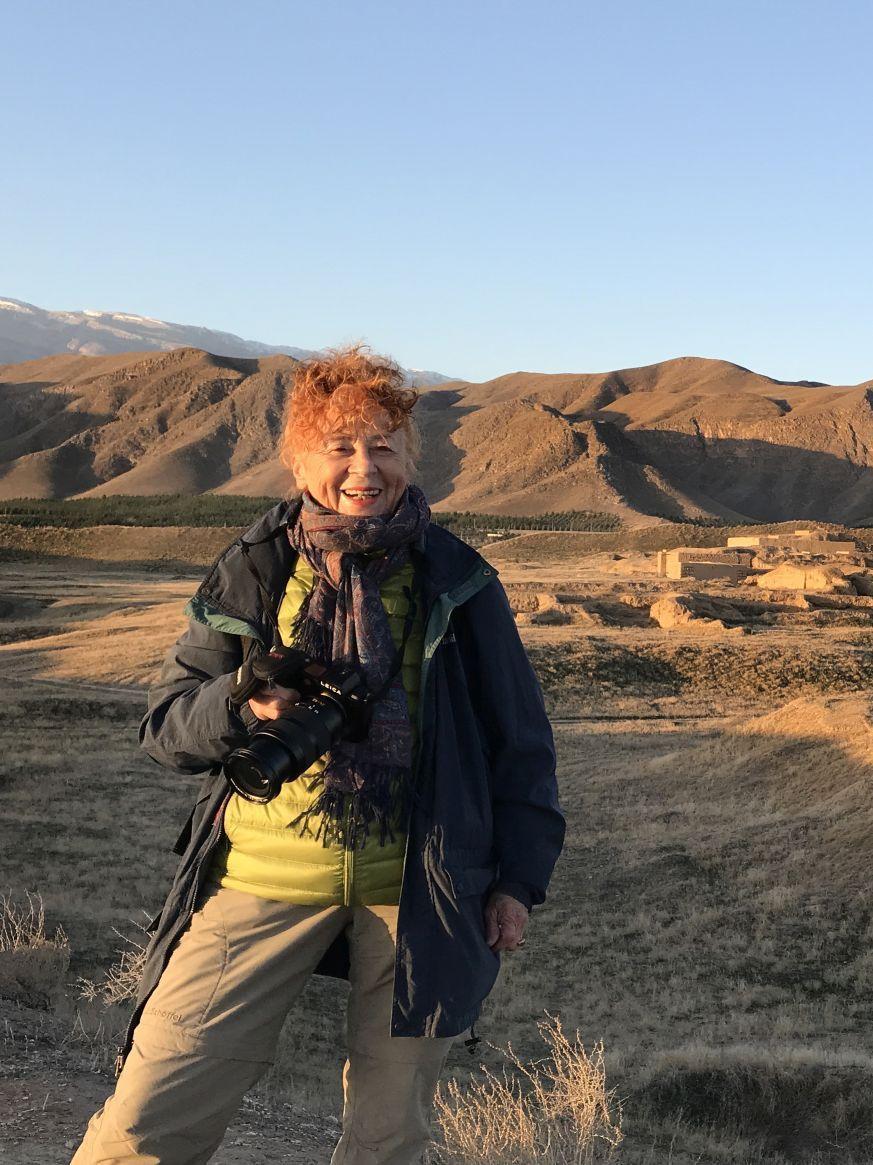 Die Fotografin Herlinde Koelbl in Turkmenistan. Foto: Herlinde Koelbl