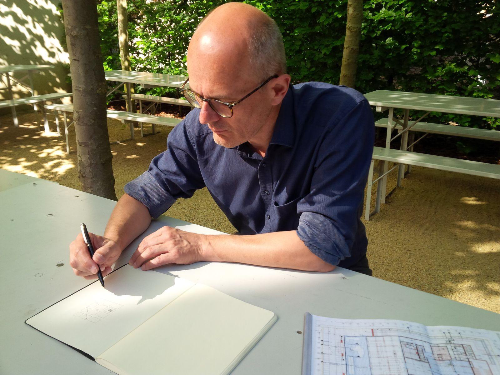 Michael Freytag vom Büro David Chipperfield Architects während unseres Interviews © schmedding.vonmarlin.
