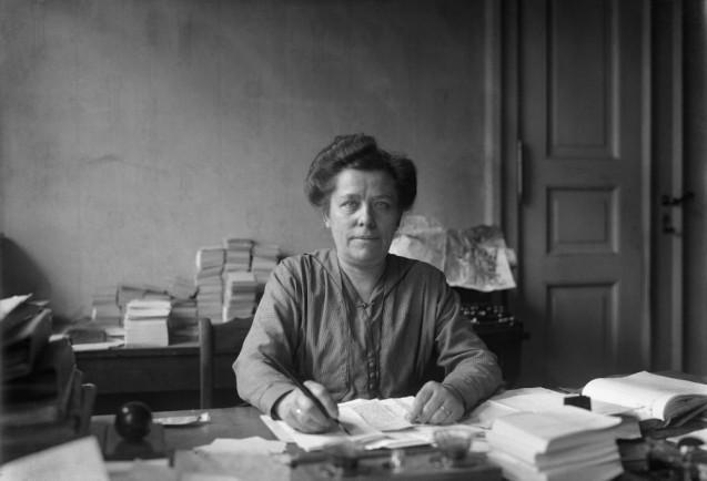 Willy Römer: Luise Zietz, Mitbegründerin der USPD, 1919  © Staatliche Museen zu Berlin, Kunstbibliothek, Photothek Willy Römer / Willy Römer