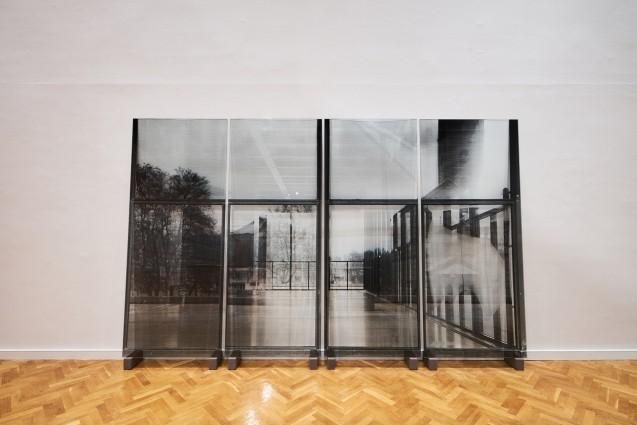 National Gallery, reflecting ashlars 2017, silkscreen on glass Courtesy of Veronika Kellndorfer and Christopher Grimes Gallery, Santa Monica, CA