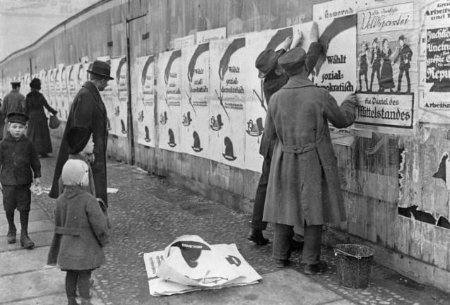 Willy Römer: Wahl zur Nationalversammlung, 1919  © Staatliche Museen zu Berlin, Kunstbibliothek, Photothek Willy Römer / Willy Römer