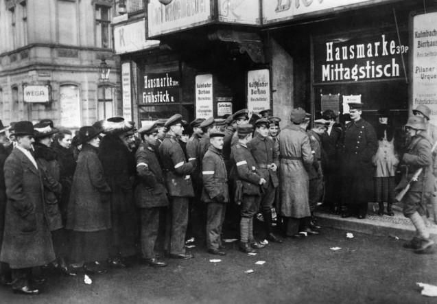 Gebrüder Haeckel: Wahl zur Nationalversammlung, 1919 © Staatliche Museen zu Berlin, Kunstbibliothek, Photothek Willy Römer / Gebrüder Haeckel